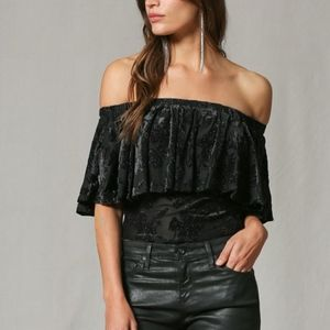 NWT Off-the-should Velvet Burnout Glitter Top